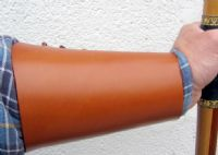 LEATHER LACEUP BRACER light brown